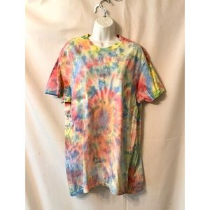 New Tie dye and alcohol T-shirt size L No tags